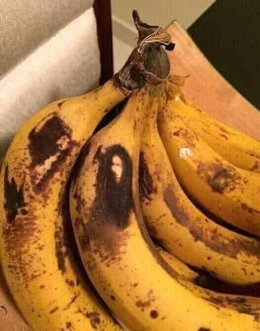 So what is bob Marley doing on the plantain 🤔💔
