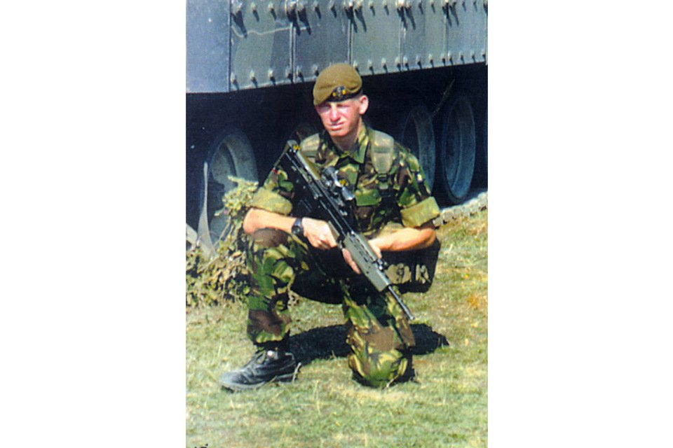16 years ago today, August 4th, 2004  Private Christopher Gordon Rayment, aged 22 from London, and of 1st Battalion Princess of Wales' Royal Regiment, was killed in a tragic accident at CIMIC House, Al Amarah, Iraq   Lest we ever Forget this brave young man who gave his all 🏴󠁧󠁢󠁥󠁮󠁧󠁿🇬🇧