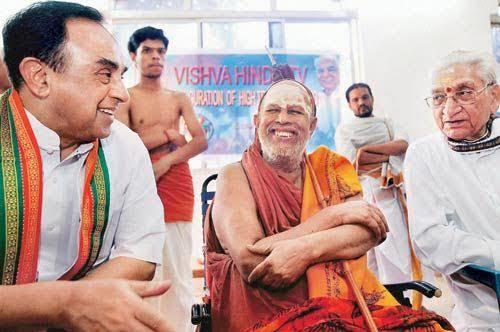 @Ravinder536R @Swamy39 Photo Archives: Jagadguru Kanchi Sankaracharya Pujyasri Swami Jayendra Saraswathi, VHP Chief Ashok Singhal jee & Dr. @Swamy39 jee