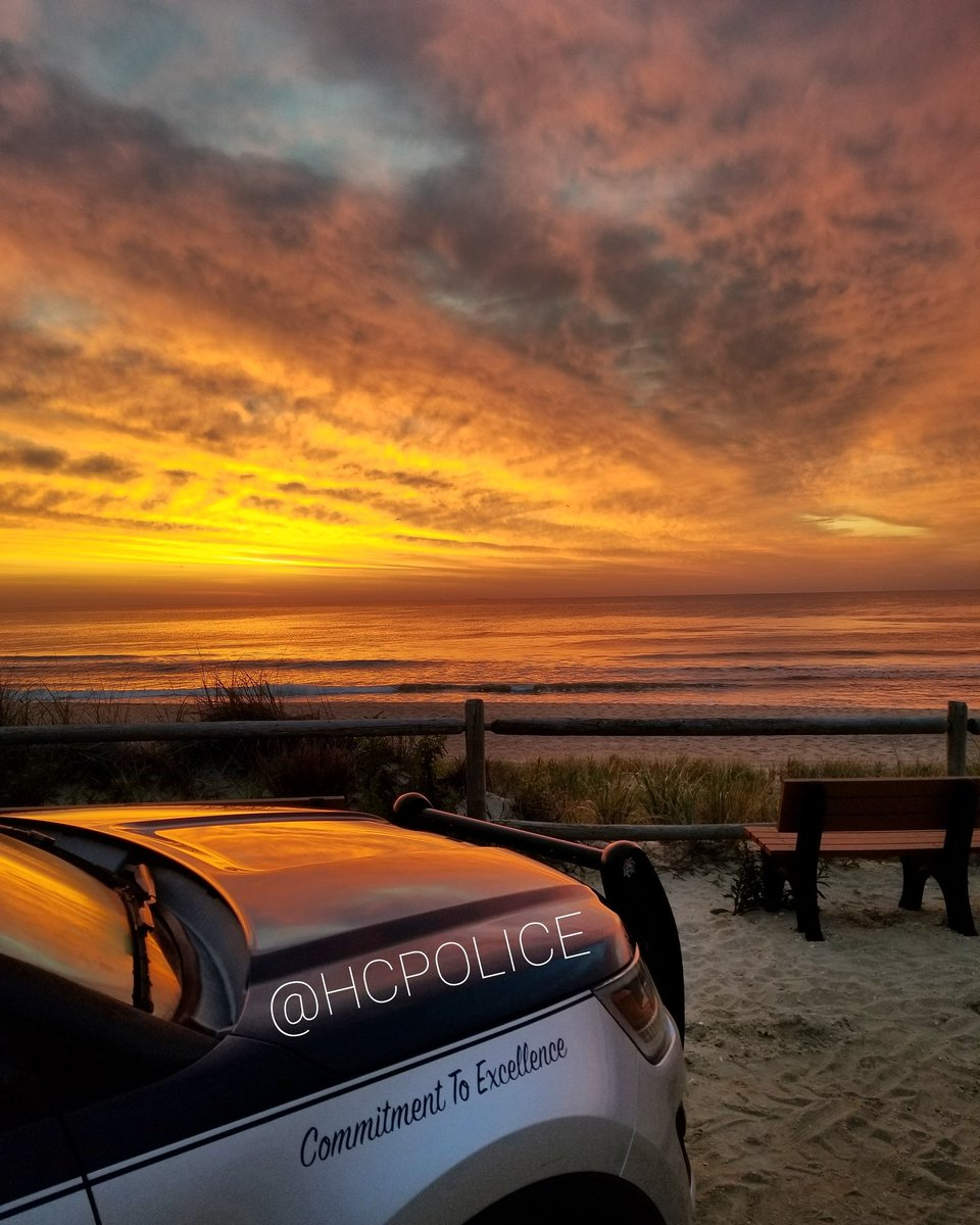 We're always here for you, even if it's just to share a gorgeous sunrise pic from Middlesex Ave beach in #HarveyCedars to start off your Thursday morning 🌞 #positivevibes #LBI #lbisunrise #HCPD @TheSandPaperLBI @LBIregion @JSHurricaneNews @ACPressMartucci @DaveCurren