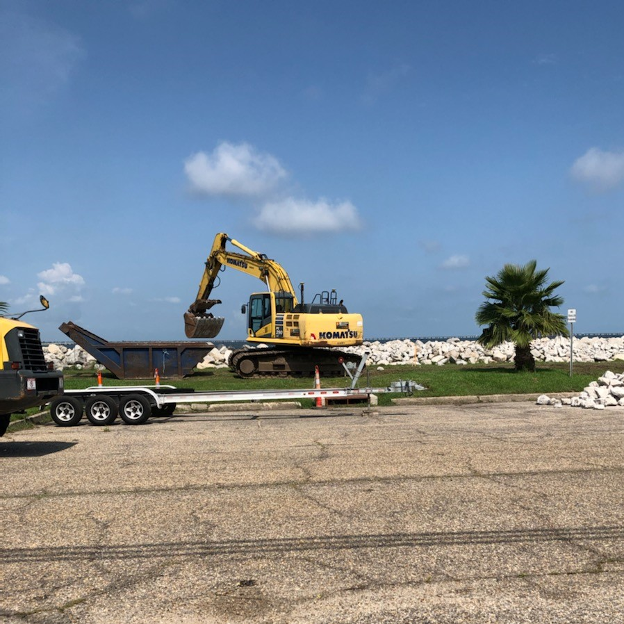 PARKING LOT UPGRADES CONTINUE ON THE BREAKWATER DRIVE IMPROVEMENT PROJECT  @mayorcantrell @CityOfNOLA  #nolaprogress #cityofyes
