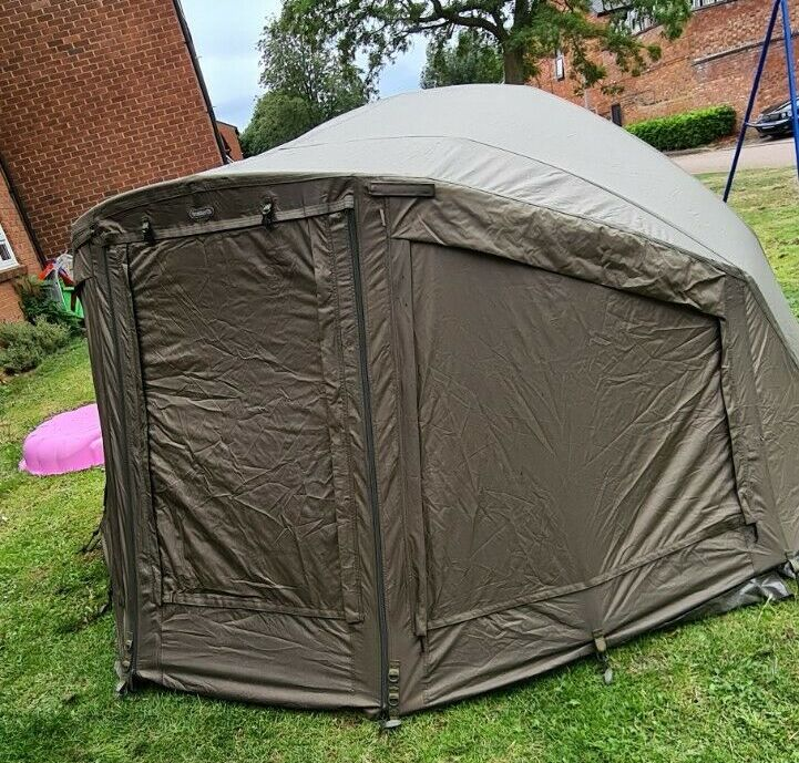Ad - Trakker Armo V4 2-man Bivvy On eBay here -->> https://t.co/rhz1JmqUqU  #carpfishing https