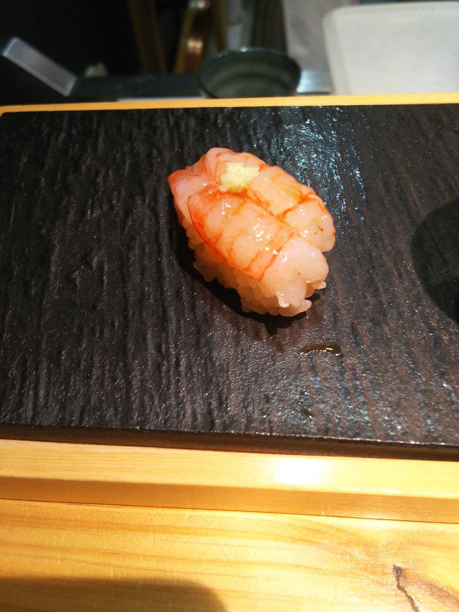 test ツイッターメディア - りんくるから歩いて5分かからない寿司屋さん行ってきました。 めちゃくちゃ旨い❗️ 常連客さんが面白くてしゃべりまくっちゃった‼️ 牡蠣の酒蒸しうまっ! 日本酒 緑川清酒 大洋盛 紫雲 キリン一番搾りプレミアム  うまっ! https://t.co/YSSlXelEo6