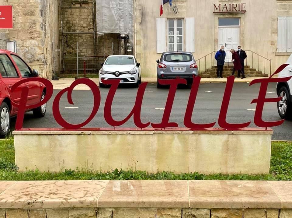@Senat @UC_Senat @DepVendee #senateurdeterrain a la rencontre des élus de la commune de Pouillé