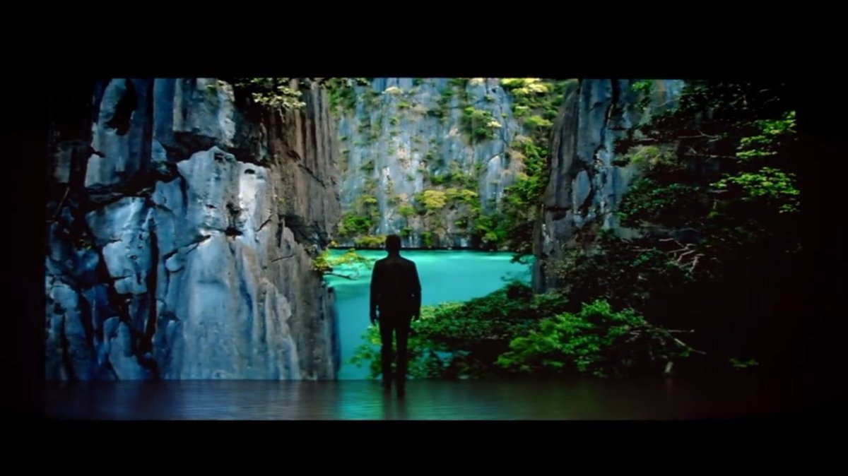 in these screen caps from the chris evans live smart commercial you have nature's most beautiful sight   and also some basic ocean and forest whatever not that impressive