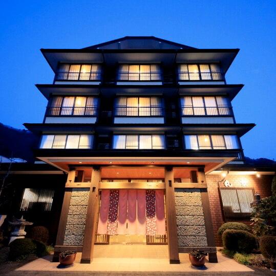 """test ツイッターメディア - 栃木県は鬼怒川温泉にある「旅の宿 丸京」が良い! """"こころがまあるくなるような""""おもてなしが特徴。1週間をテーマにしたお部屋が面白い!日の部屋や金の部屋など、それぞれに意味が込められていてどこに泊まるか迷っちゃう。ちなみに写真4枚目は月の部屋。もちろん温泉もあって8800円から泊まれます。 https://t.co/Z45Rmk6VTS"""