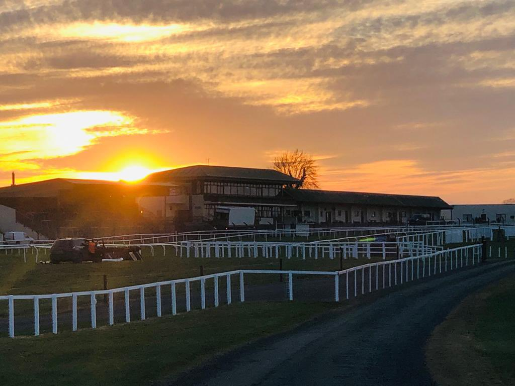 test Twitter Media - Sun setting @KilbegganRaces today and on another week of Racing Behind Closed Doors. https://t.co/t1t5IaNUYJ