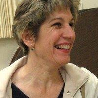 Elizabeth Manus | Social Profile