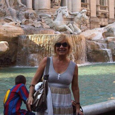 adelina | Social Profile
