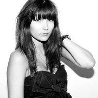 Anna Reeve | Social Profile