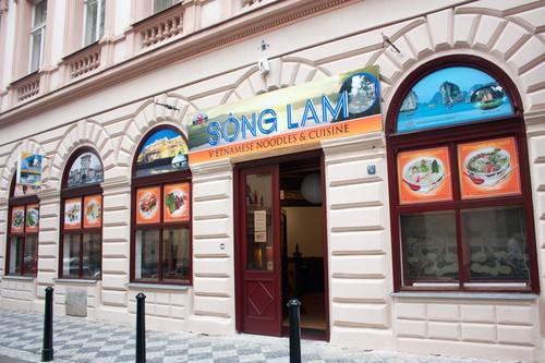 Sông Lam Restaurant