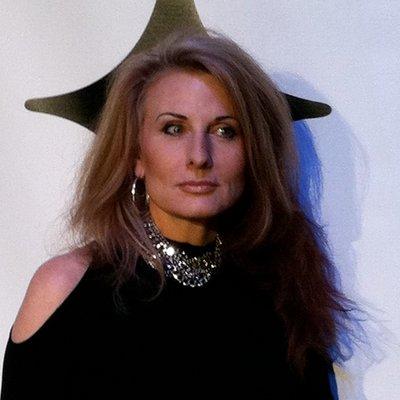 Claudia Byrdine | Social Profile
