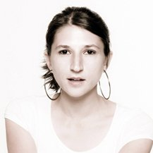 angela ponzini | Social Profile