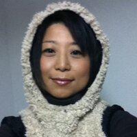 HITOMI TAKESUE   Social Profile