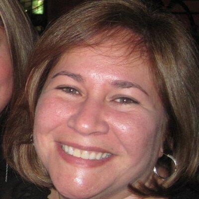 Claudia M. Del Cid | Social Profile