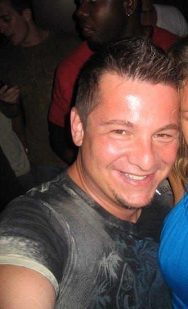 Ken Pavia Social Profile