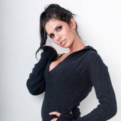 Jennifer Durst | Social Profile