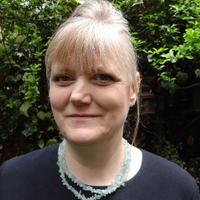 Isabel Collins | Social Profile