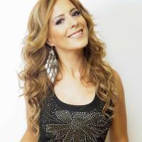 Alejandra Huitrón | Social Profile