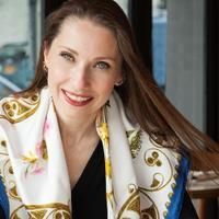Liz de Nesnera | Social Profile