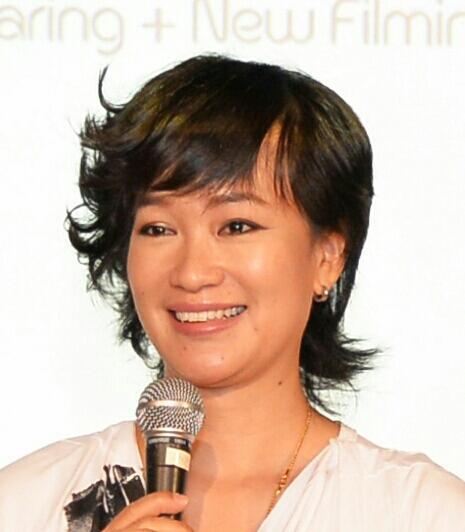 HoongLing 虹伶  ليڠ Social Profile