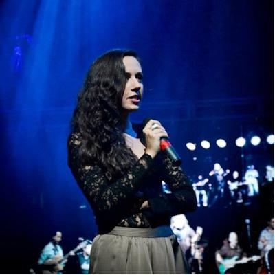Nana Cadavieco | Social Profile