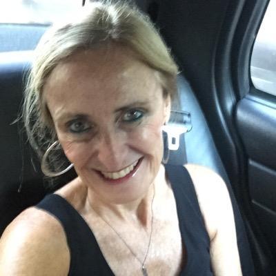helena chari | Social Profile