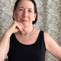 Dr Dea Roberts | Social Profile