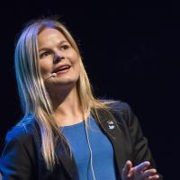 Ine Mæland | Social Profile