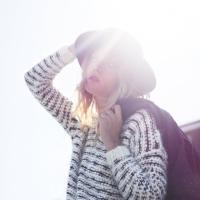 Sophie Dampier-Jeans   Social Profile