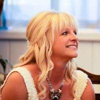 Anna Fletcher | Social Profile