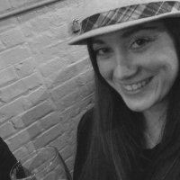 Kelly Lucia   Social Profile