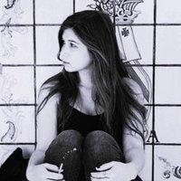 Nicole Sara | Social Profile