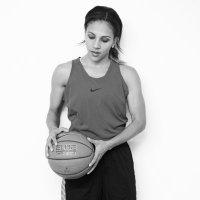 Niki Avery   Social Profile