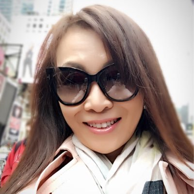 Cesa Chung Social Profile