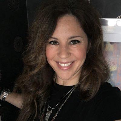 ML Moreno Cobián Social Profile