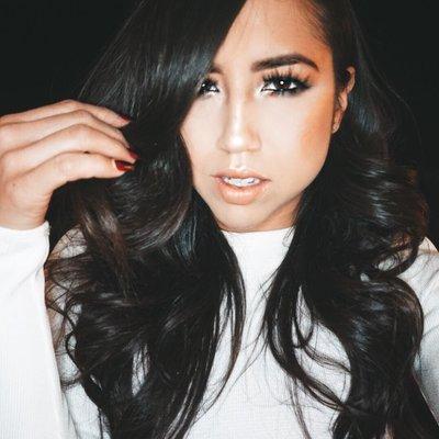 Michelle BurgosColon | Social Profile