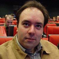 Víctor R. Ruiz | Social Profile