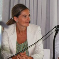 emma lustres gomez | Social Profile