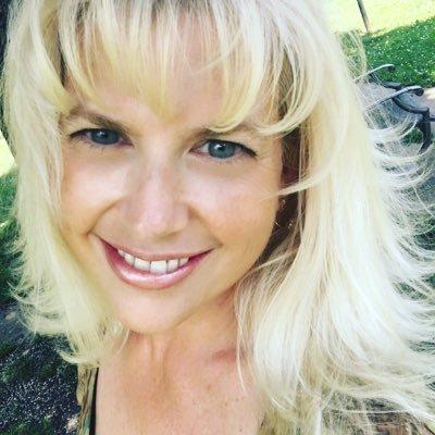 Kristi Colvin  Social Profile