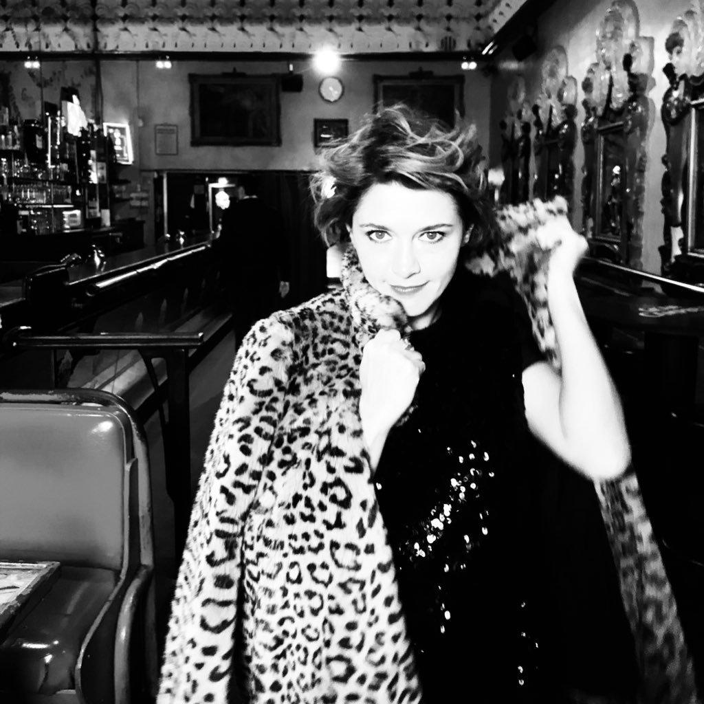 Emma de Caunes  Twitter Hesabı Profil Fotoğrafı