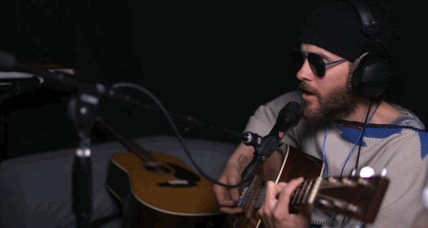 RT @30SECONDSTOMARS: Birth of a few new songs, fruit + a side of REVENGE with #JaredLetoLive. | https://t.co/LltEUVhHDp https://t.co/4xwXJ8…