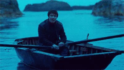 Fingers crossed Brienne's rowboat bumps into Gendry's rowboat #GameofThrones https://t.co/vVNEi7O0Ym