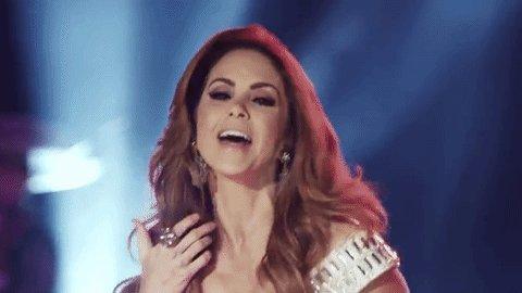 """Hoy felicitamos en su cumpleaños a una reina de los escenarios: @LuceroMexico """"coqueta"""". https://t.co/y0qVZERscN"""