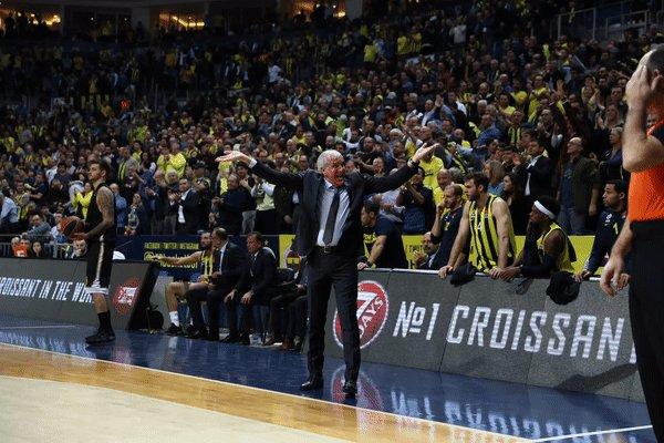 RT @FBBasketbol: Zeljko Obradovic! 👑 #NeverEnough https://t.co/Ui1SwP0qDh